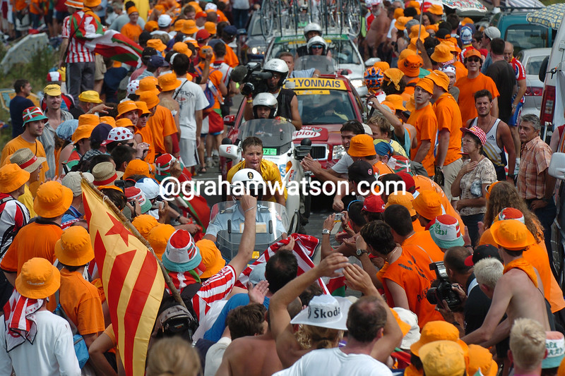 Basque supporters watch Thomas Voeckler on a stage of the Tour de France in 2004