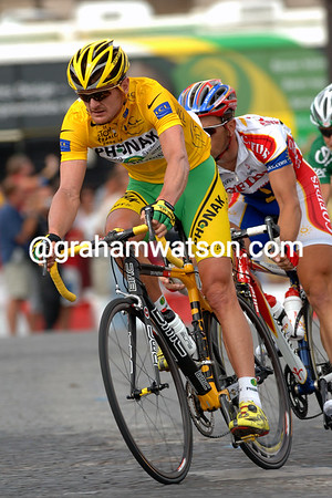 Floyd Landis wearing the Yellow Jersey on the final stage of the 2006 Tour de France