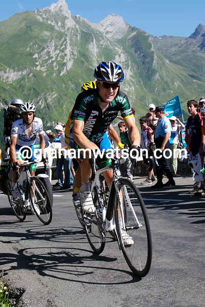 LEVI LEIPHEIMER LEADS RASMUSSEN AND CONTADOR ON STAGE SIXTEEN OF THE 2007 TOUR DE FRANCE