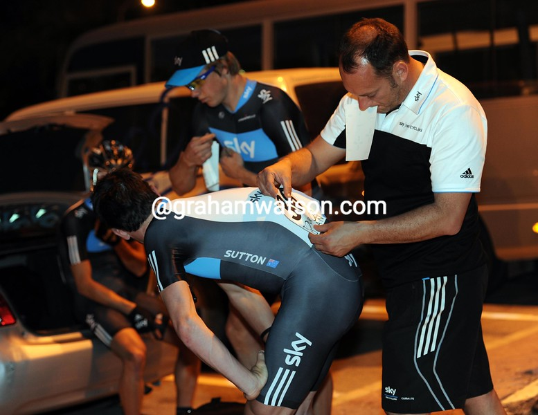 Chris Sutton has his numbers fixed before the start of stage one of the 2010 Tour of Oman