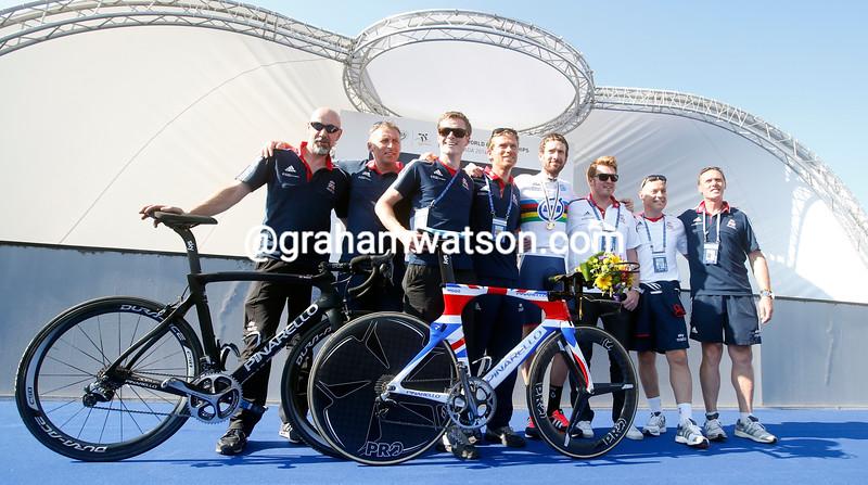 Bradley Wiggins celebrates with Team GB after winning the 2014 Elite Mens TT