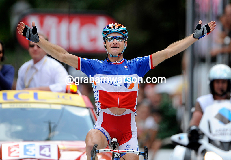 THOMAS VOECKLER WINS STAGE FIFTEEN