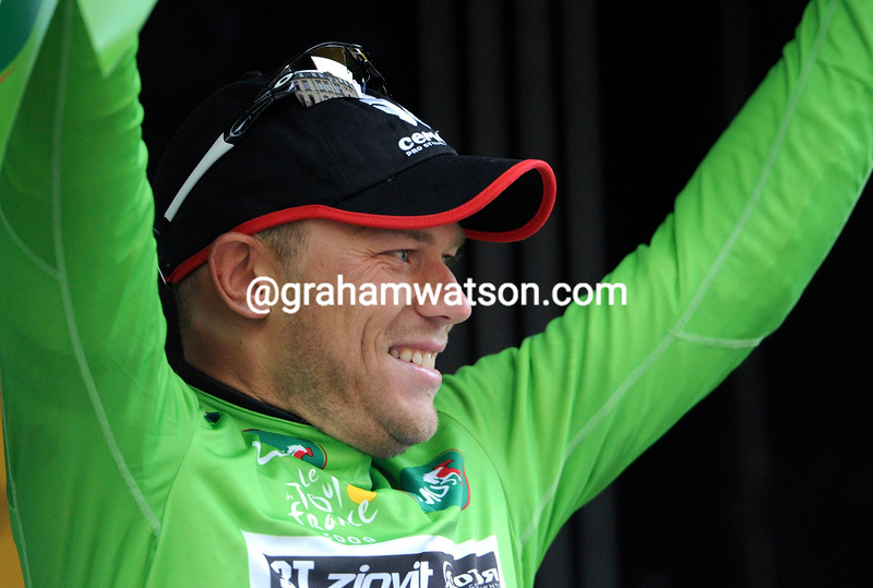 THOR HUSHOVD ON THE PODIUM AFTER STAGE THIRTEEN OF THE 2009 TOUR DE FRANCE