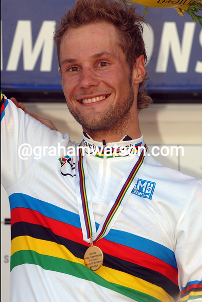 TOM BOONEN WINS THE 2005 WORLD CHAMPIONSHIPS