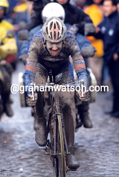 TOM BOONEN RACING IN THE 2002 PARIS-ROUBAIX