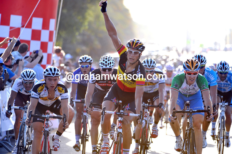 Tom Boonen wins stage five of the 2010 Tour of Oman