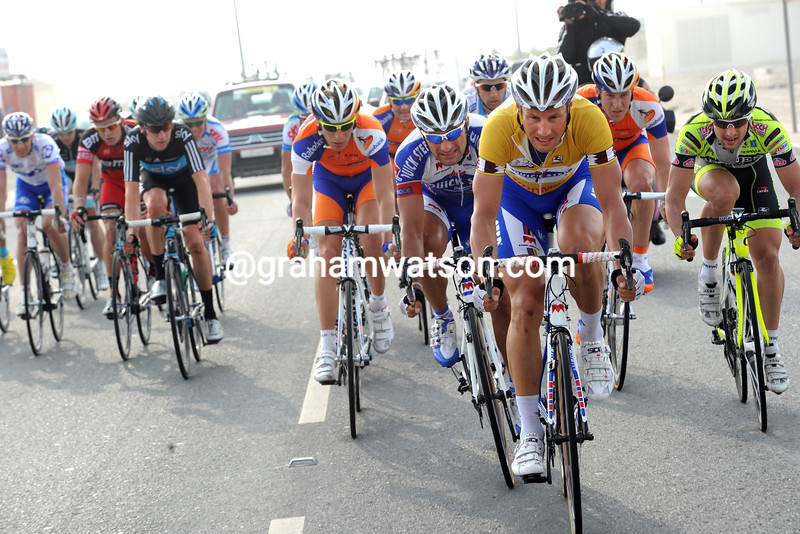TOM BOONEN LEADS AN ESCAPE ON STAGE THREE OF THE 2011 TOUR OF QATAR