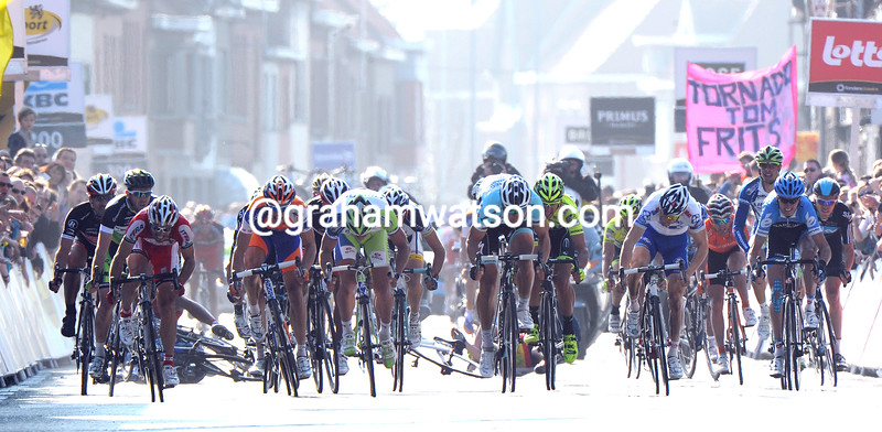 Tom Boonen wins the 2012 Ghent Wevelgem