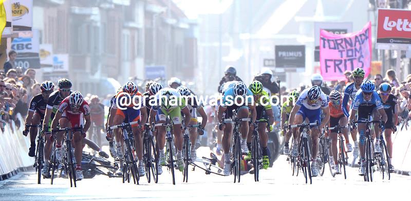 Tom Boonen wins the 2012 Ghent Wevelgem