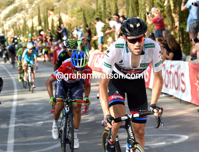 Tom Dumoulin attacks in the 2015 Tour of Spain