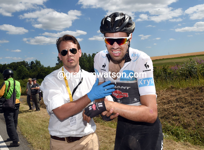 Tom Dumoulin after a crash in the 2015 Tour de France