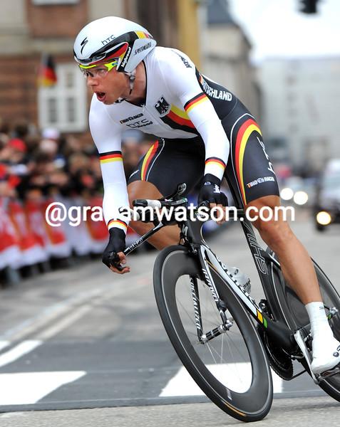 TONY MARTIN WINS 2011 THE MENS TT WORLD CHAMPIONSHIP
