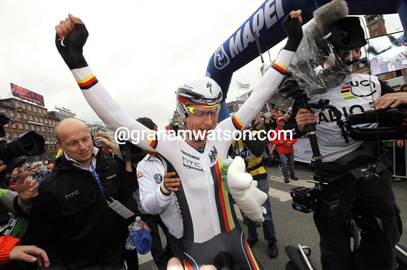TONY MARTIN WINS THE 2011 MENS TT WORLD CHAMPIONSHIP