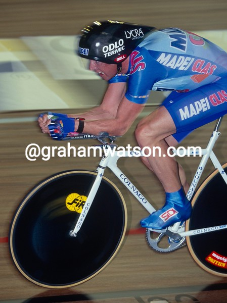 Tony Rominger in an hour record attempt in 1994