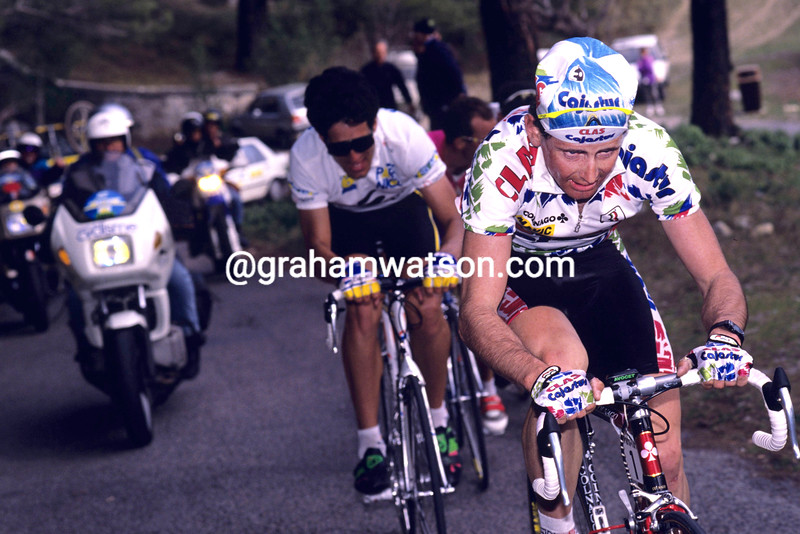Tony Rominger leads Miguel Indurain in the 1992 Paris-Nice