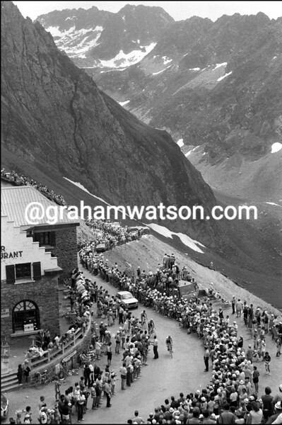THE 1983 TOUR DE FRANCE CROSSES THE COL De Tourmalet