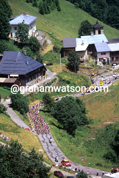 Cyclists climb the Col de la Madeleine in the 1995 Tour de France