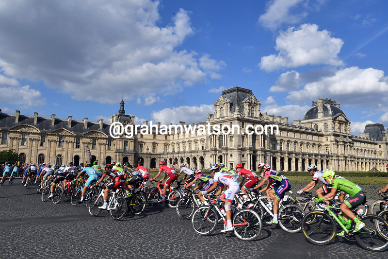 The peloton in Paris on stage 21 of the 2016 Tour de France