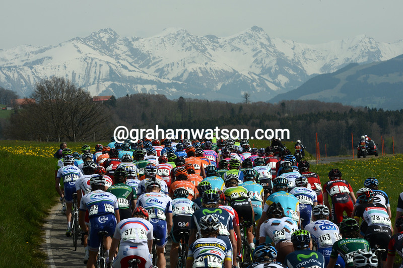 The peloton on stage three of the 2012 Tour de Romandie