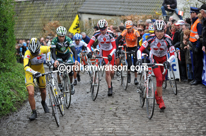CYCLISTS CLIMB THE MOLENBERG IN THE 2008 TOUR OF FLANDERS