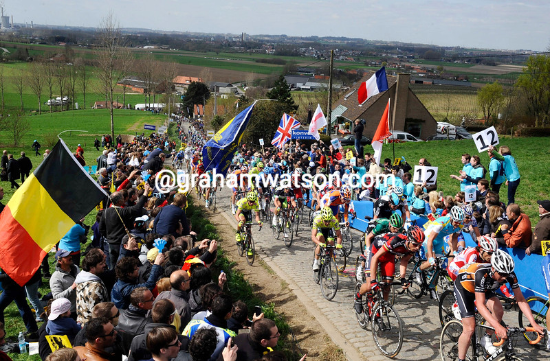 The peloton climbs the Paterberg in the 2012 Tour of Flanders
