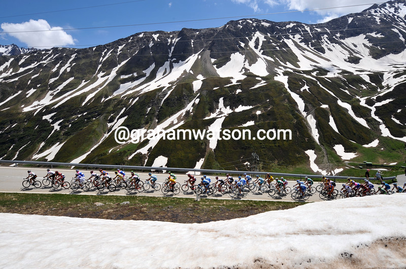 THE PELOTON CLIMBS THE NUFENENPASS ON STAGE SIX OF THE 2008 TOUR DE SUISSE