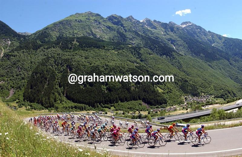 The 2009 Tour de Suisse climbs the Passo San Bernardino