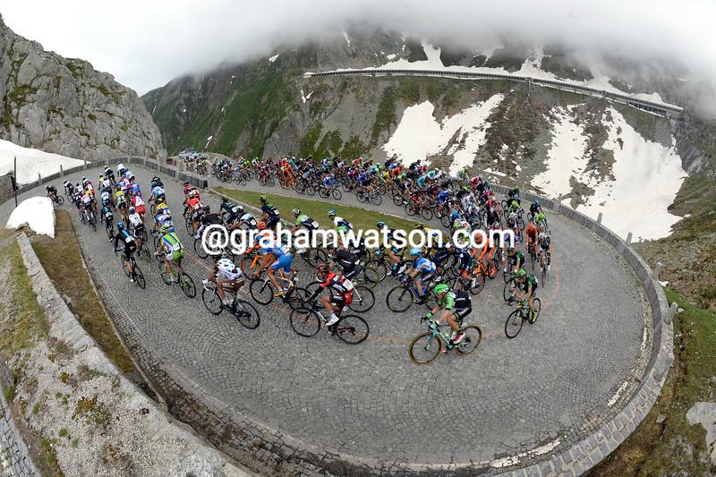 The peloton climbs the St Gotthard Pass in 2015
