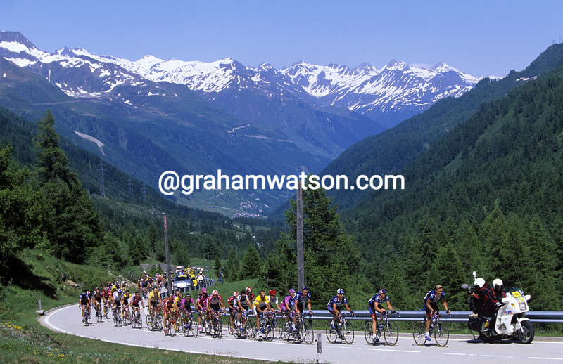 The Us Postal team lead in the Tour of Switzerland