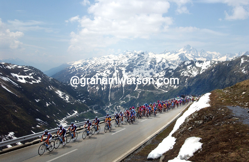 THE PELOTON CLIMBS THE FURKA PASS IN THE 2011 TOUR OF SWITZERLAND