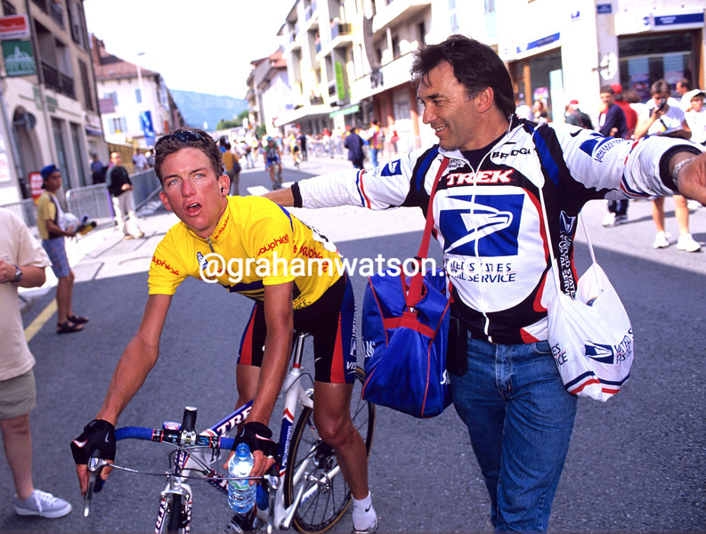Tyler Hamilton with Freddy Viane in the 2000 Dauphine-Libéré