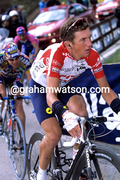 Tyler Hamilton in the 2002 Giro d'Italia