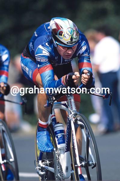 Viatcheslav Ekimov and Lance Armstrong in the 2001 G.P.Eddy Merckx