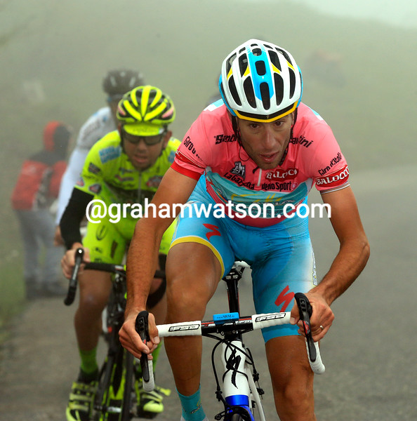 Vincenzo Nibali attacks on stage fourteen at the 2013 Giro d'Italia