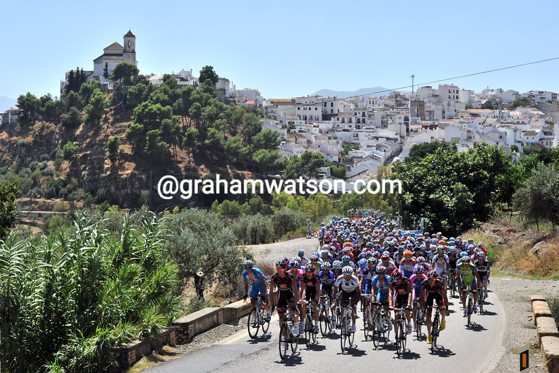 THE PELOTON ON STAGE THREE OF THE 2010 TOUR OF SPAIN