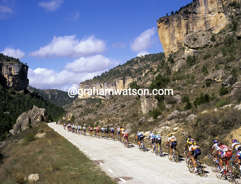 Cyclists in the 1999 Tour of Spain