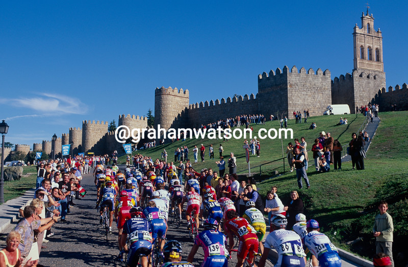 The 2002 Tour of Spain passes through Avila