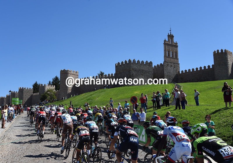 The peloton in Avila on stage nineteen of the 2015 Tour of Spain
