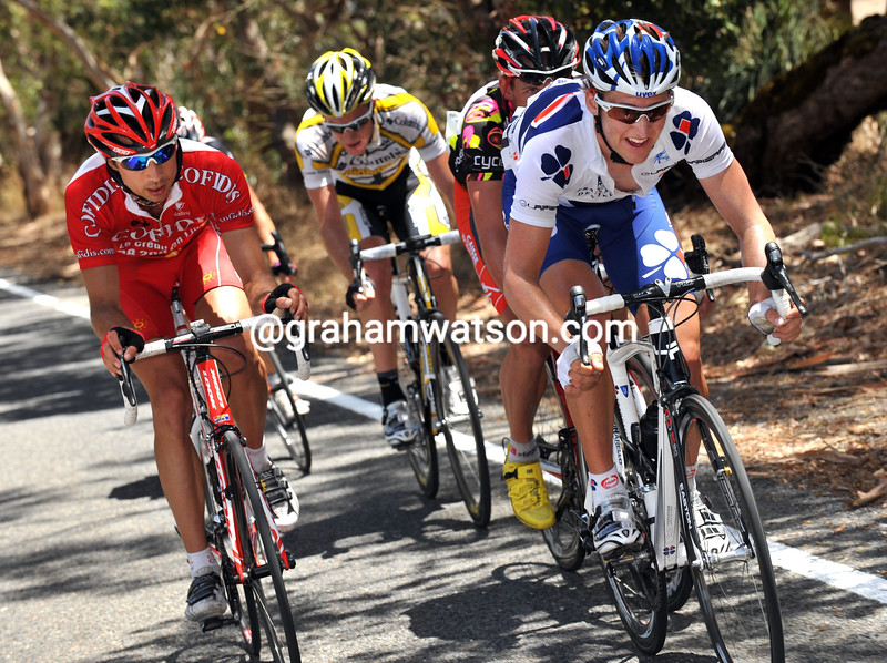 WESLEY SULZBERGER AND DAVID MONCOUTIE LEAD AN ESCAPE ON STAGE FIVE OF THE TOUR DOWN UNDER