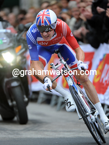 BRADLEY WIGGINS IN THE MENS TT AT THE 2011 WORLD CHAMPIONSHIPS