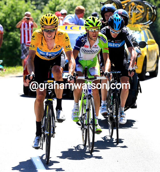 Bradley Wiggins leads Nibali and Froome on stage sixteen of the 2012 Tour de France