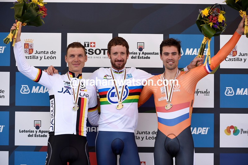podium 1.jpg