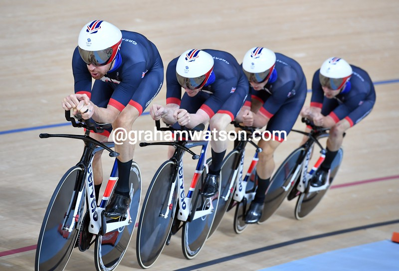 Bradley Wiggins leads Great Britain to the Gold Medal in the 2016 Olympic Games Team Pursuit