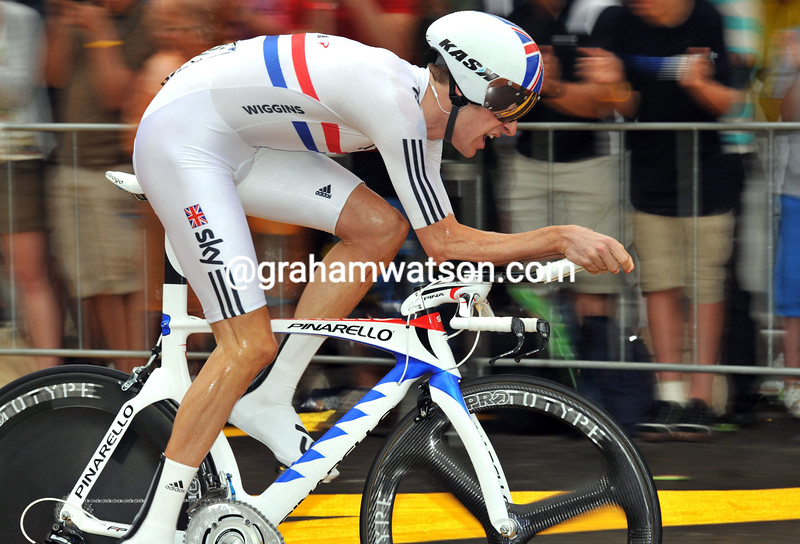 BRADLEY WIGGINS IN THE PROLOGUE OF THE 2010 TOUR DE FRANCE
