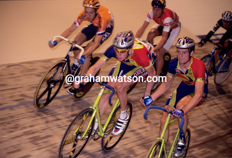 Bradley Wiggins and Rob Hayles in 2000
