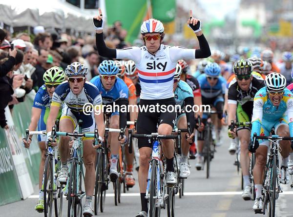 Bradley Wiggins wins stage one of the 2012 Tour de Romandie
