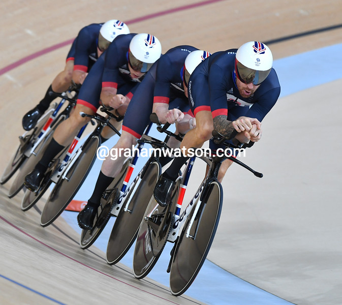Bradley Wiggins and Great Britain in the Mens team pursuit at the 2016 Olympic Games