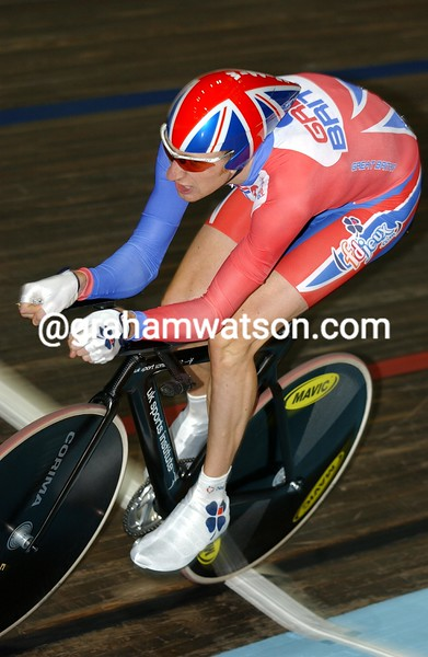 Bradley Wiggins on his way to the Gold medal in the 2003 World Track Championships