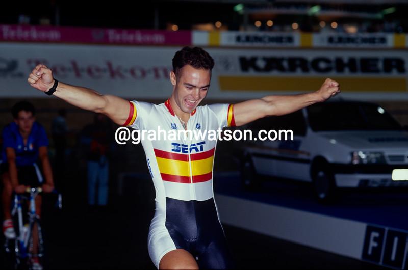 Jose Manuel Moreno wins the 1-kilometre title at the 1991 World Championships in Stuttgart, Germany