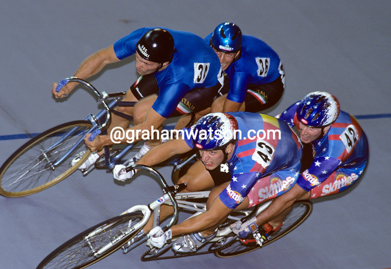Marty Nothstein steers his tandem against Italy's Roberto Chiappa at the 1994 World Championships